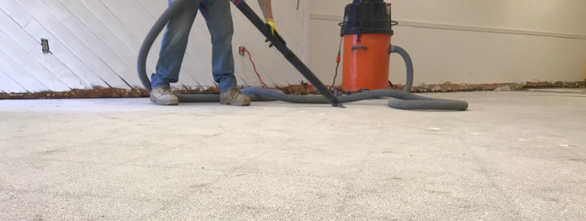 Image of dustless floor removal process